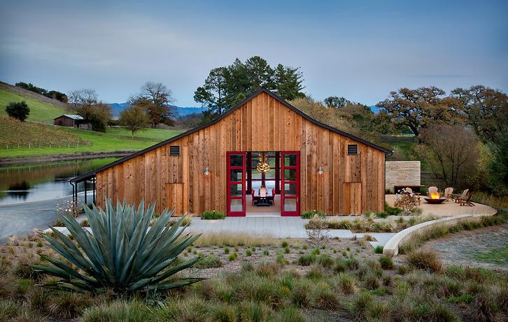 Kistler Vineyards Barn by Architectural Resources Group  Read more: https://www.dexigner.com/news/30090